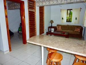 A seating area at Villas Pico Bonito