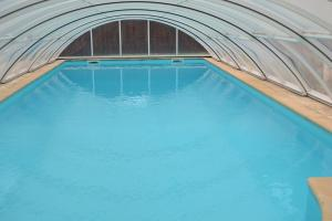 The swimming pool at or close to la Mascotte