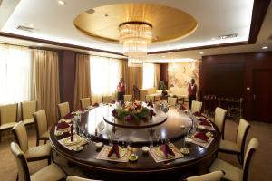 مطعم أو مكان آخر لتناول الطعام في فندق سولوكسي نيامي