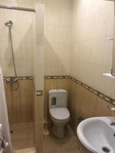 Ванная комната в Апартаменты на Сухумском Шоссе