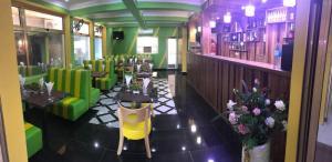 Salon ou bar de l'établissement New Park Resort