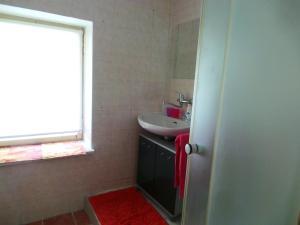 A bathroom at Penzion Tomy Pihlov
