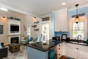 A kitchen or kitchenette at Silver Linings Two-Bedroom Home