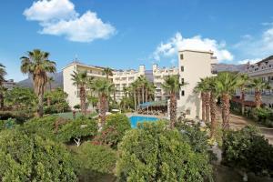 Вид на бассейн в Twins Hotel или окрестностях