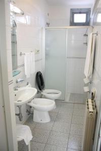 حمام في Hotel Mazzini
