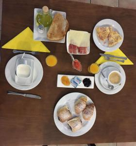 Breakfast options available to guests at Hotel Rural Xerete