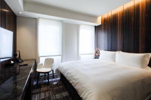 宿之酒店房間的床