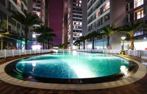Hồ bơi trong/gần La Perle Rose Luxury Apartment