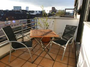 A balcony or terrace at Apartment Medienhafen
