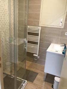 A bathroom at Laugann's Home