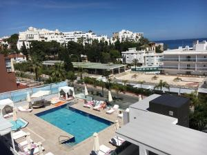 A view of the pool at Hotel Natursun or nearby