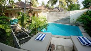 A view of the pool at Senang Private Villa or nearby
