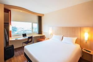 Posteľ alebo postele v izbe v ubytovaní Ibis Schiphol Amsterdam Airport
