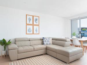 A seating area at The Shoal Apartments, Unit 305/4-8 Bullecourt Street