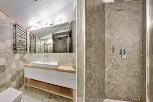 A bathroom at Sopot Comfort Apartments Superior