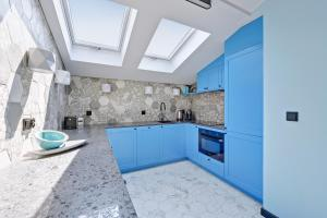 A kitchen or kitchenette at Sopot Comfort Apartments Superior