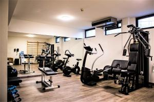 The fitness center and/or fitness facilities at Best Western Park Hotel