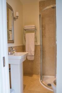 A bathroom at Devon View House
