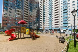 Children's play area at Апартаменты Fon Haus на Рощинской
