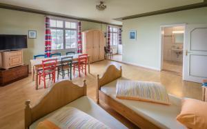 Ein Sitzbereich in der Unterkunft Gasthof Zur Traube