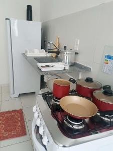 A kitchen or kitchenette at Apartamento no Dalas Park Residencial