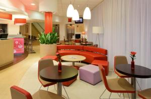 The lounge or bar area at Ibis Bratislava Centrum