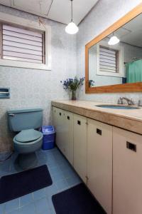 A bathroom at Casa Joaquin BnB