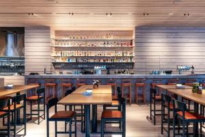 En restaurang eller annat matställe på Nordic Light Hotel