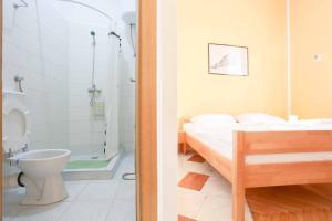 Kupaonica u objektu Pigeon Square Rooms