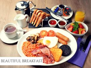 Breakfast options available to guests at Ruskin Hotel