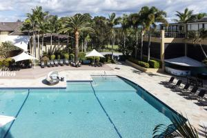 A view of the pool at Mercure Gold Coast Resort or nearby