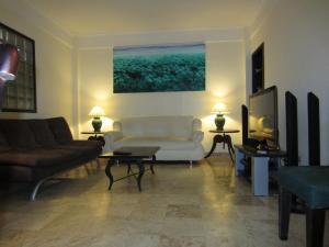 A seating area at Jayakarta Resort Apartments