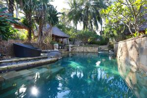 The swimming pool at or close to Novotel Lombok Resort & Villas