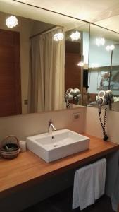 A bathroom at Mario's Garni