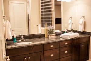 A bathroom at Red Rock Villa