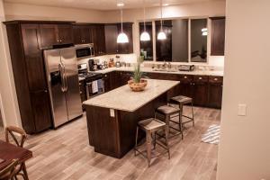 A kitchen or kitchenette at Red Rock Villa
