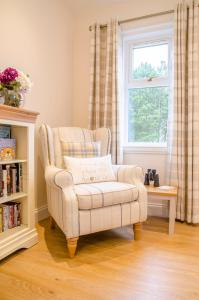 A seating area at White Cottage St. Andrews