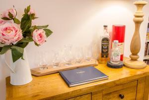 Drinks at White Cottage St. Andrews