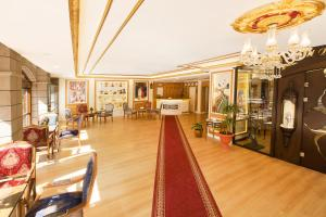 A restaurant or other place to eat at Seven Hills Hotel - Special Category