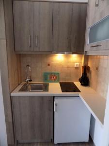 A kitchen or kitchenette at Margarita Karidi