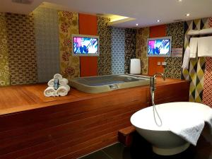 A bathroom at The Exhibitionist Hotel