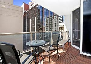 A balcony or terrace at Ausmine Carrington Apartment