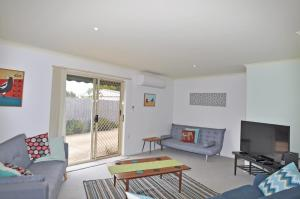 A seating area at SERRELL BY THE SEA - PET FRIENDLY