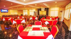 A restaurant or other place to eat at Grace Treasure Hotel