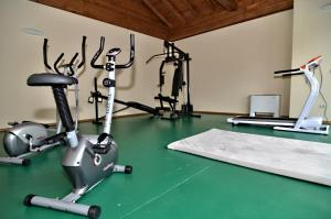 The fitness center and/or fitness facilities at Villa Velena