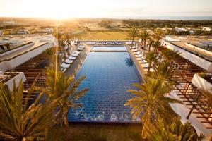 Vue sur la piscine de l'établissement Sofitel Essaouira Mogador Golf & Spa ou sur une piscine à proximité
