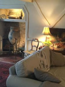 A seating area at Le Logis B&B (Bed & Breakfast)