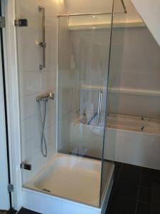 A bathroom at Leidseplein Night Life