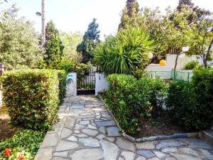 Κήπος έξω από το Ανεμόεσσα