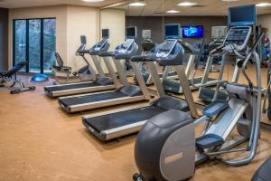 The fitness center and/or fitness facilities at SpringHill Suites by Marriott Springdale Zion National Park